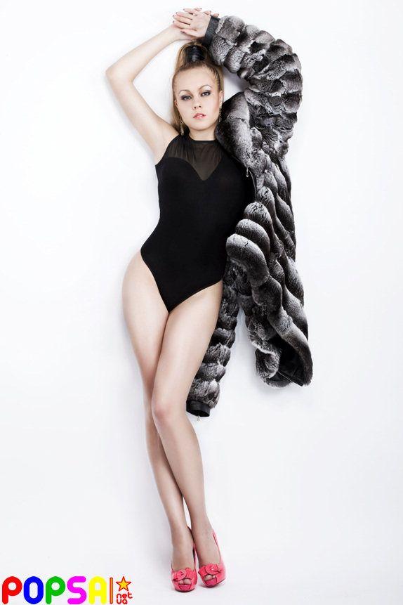Алеша демонстрирует нам вполне женское тело