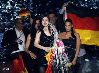 Победительница Евровидения 2010 Лена Майер-Ландрут покоряет европейские чарты
