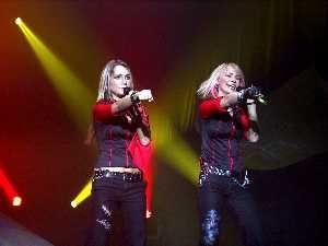 Группа Vanilla Ninja с большим отрывом лидирует в интернет-голосовании на страничке Eurolaul